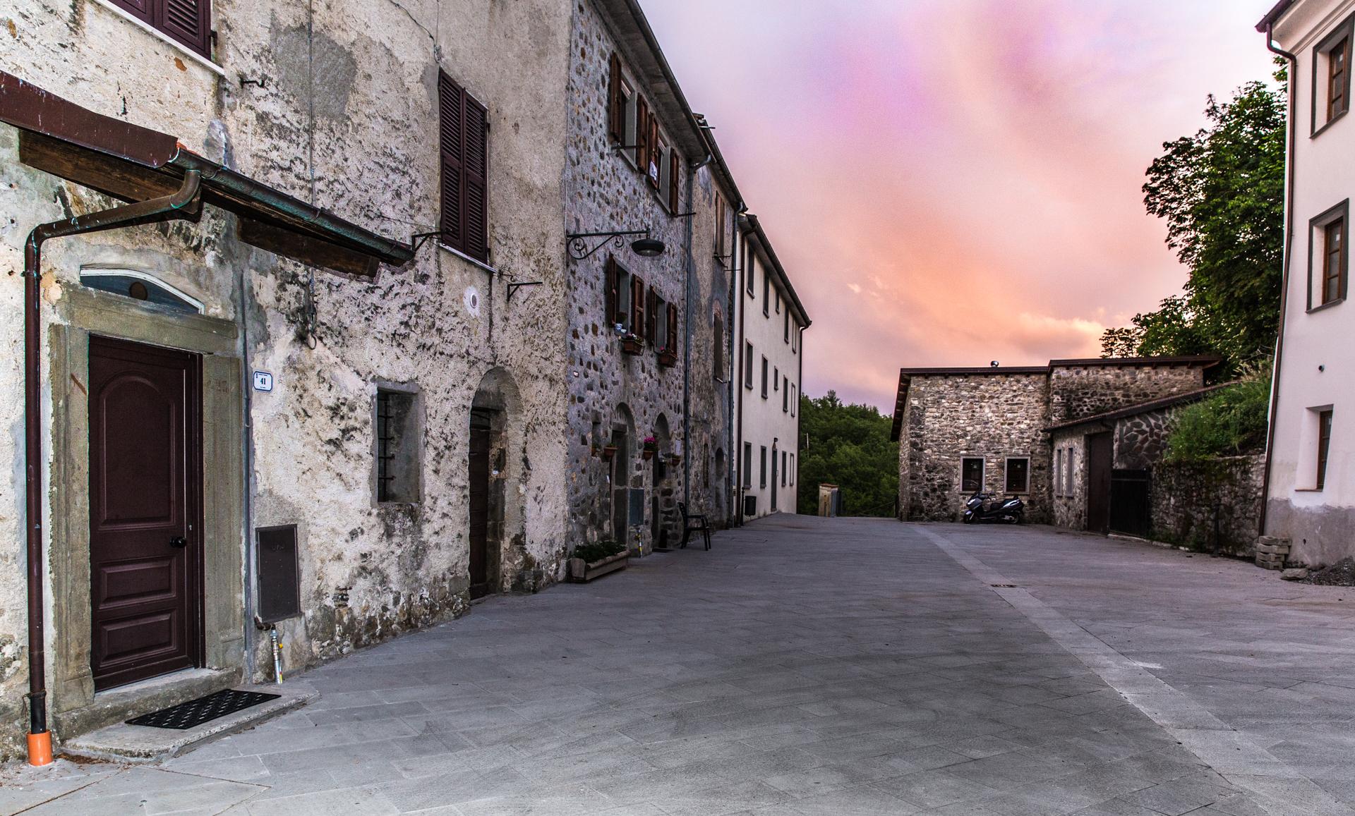 Dorfplatz von Tresana